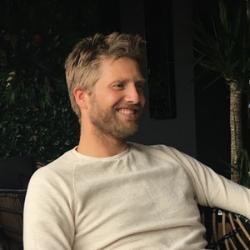 Martijn Schreuder Goedheijt man Dutch smiling white shirt